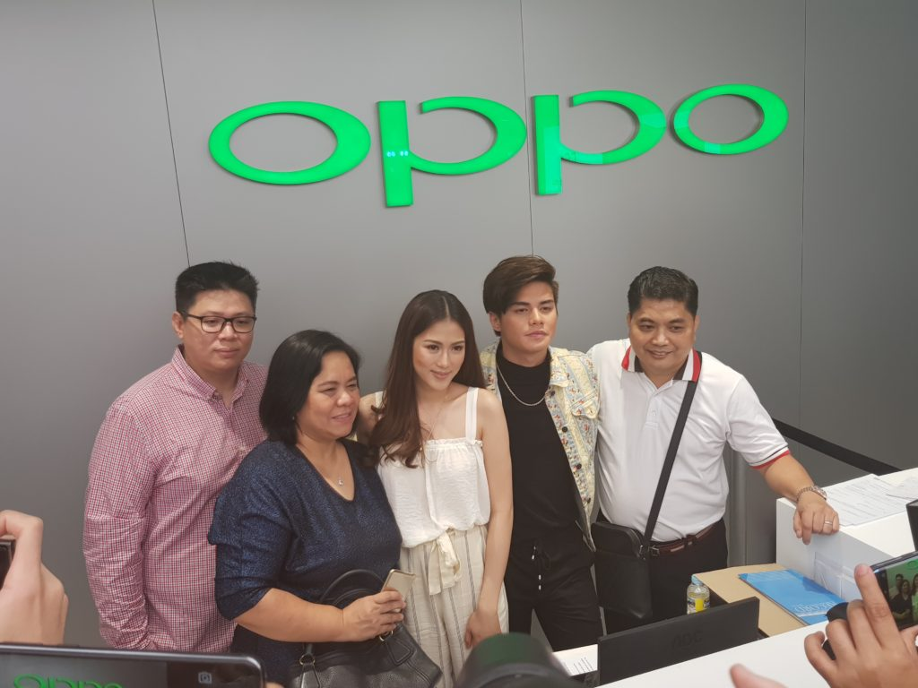 Celebrity influencers with OPPO executives