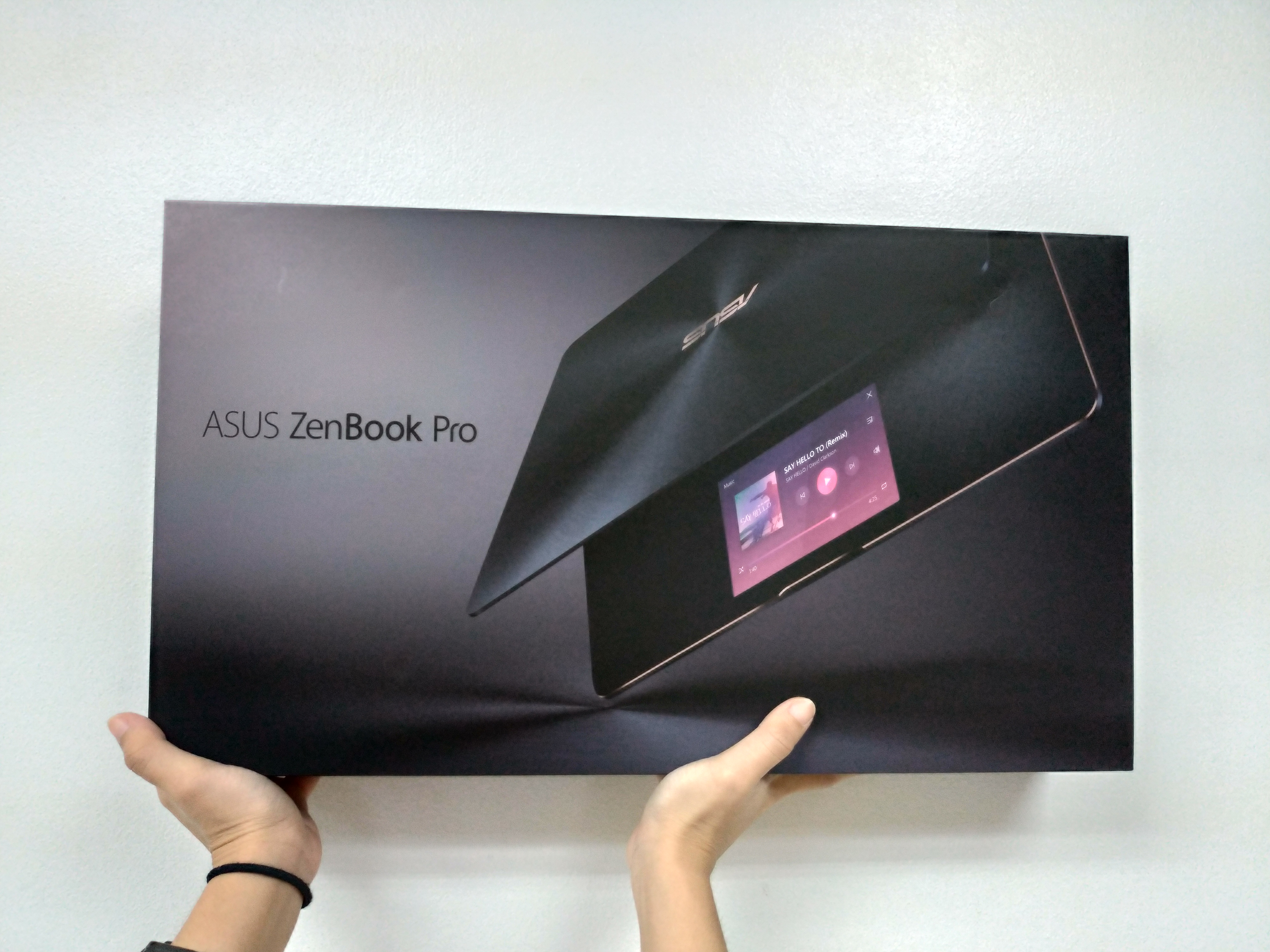 first-impressions-of-the-asus-zenbook-pro-ux580ge